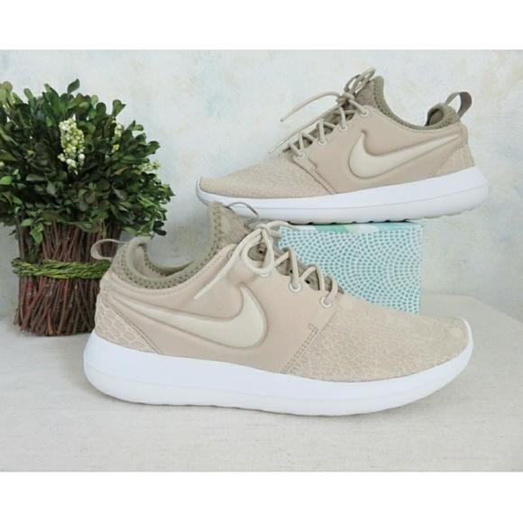 af090709dca2 Nike Roshe Two Running Sneaker Champagne Oatmeal 9.  M 5c7aca297386bc32db654d74